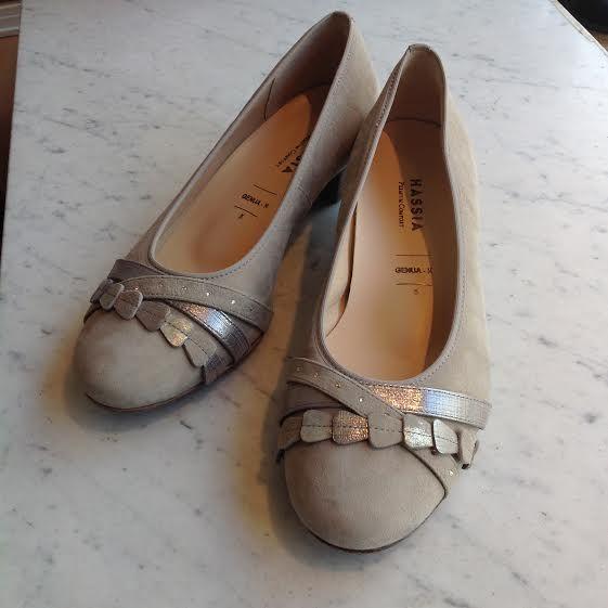Hassia vaaleissa avokkaissa on aitoja swarovski-kiviä #hassia #swarovskishoes #shoes #party