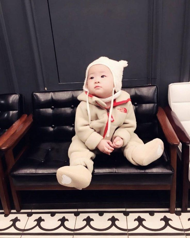 #아기달님 #은재 #노페 곰돌이😍💕 뽀숑뽀숑 따숩따숩 #노스페이스 #기모플리스 #츄리닝👍 #육아 #소통 #일상 #육아스타그램 #애스타그램 #베이비그램 #딸스타그램 #딸바보그램 #예쁜아기 #baby #bebe #cutebaby #babylove #babygirl #미소천사 #도치맘 #8개월 #원숭이띠 #인스타베이비 #데일리코디 #아기코디 #베이비코디 #키즈코디 #육아소통