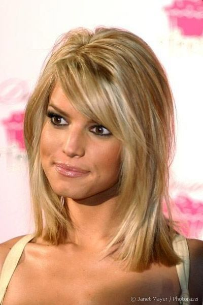 Jessica Simpson in Flattering Medium Blunt Hair with Highlights - Beautiful Hairstyles -----I like this cut.