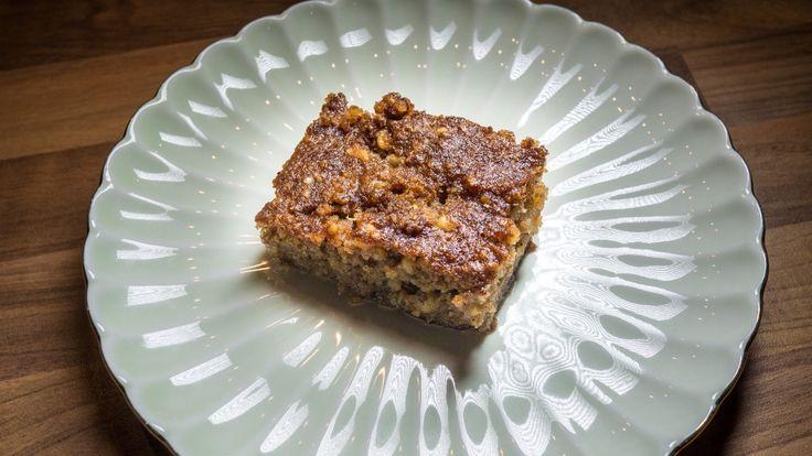 Greek syrupy walnut pie (karidopita) recipe