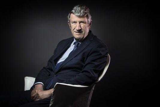 Il a été secrétaire d'Etat dans le gouvernement Chirac, puis rénovateur avec Bayrou et Fillon. Aujourd'hui, le cœur de l'ex-député et président de la Vendée bat pour la famille Le Pen.