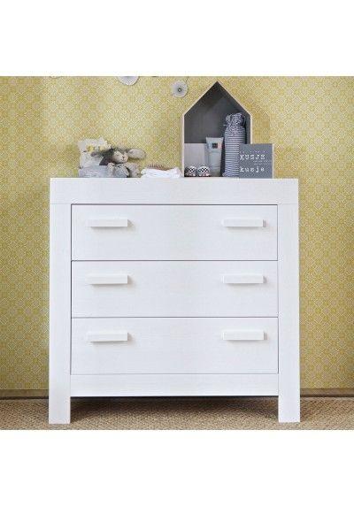 Pour la chambre de #bébé ! #CODEINEDECO a sélectionné pour vous cette #commode pin massif 60 x 120 Aaron blanche, de la marque Alfred et Compagnie.