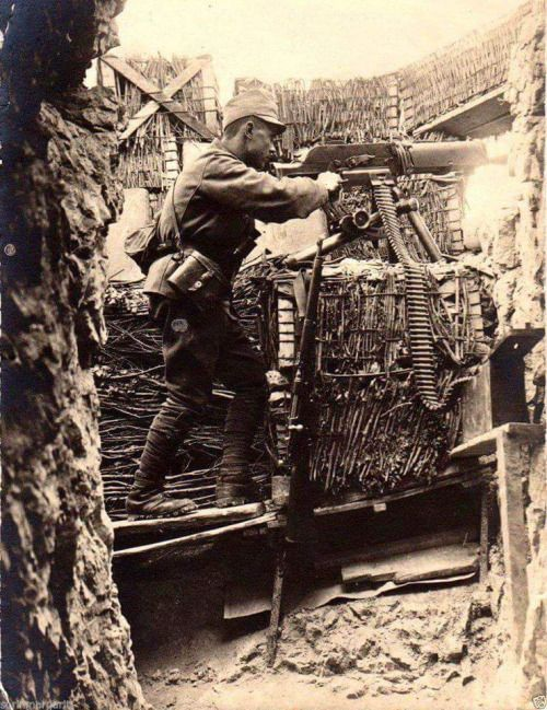 Austro-Hungarian gunner in action with a MG-07/12, World War I.
