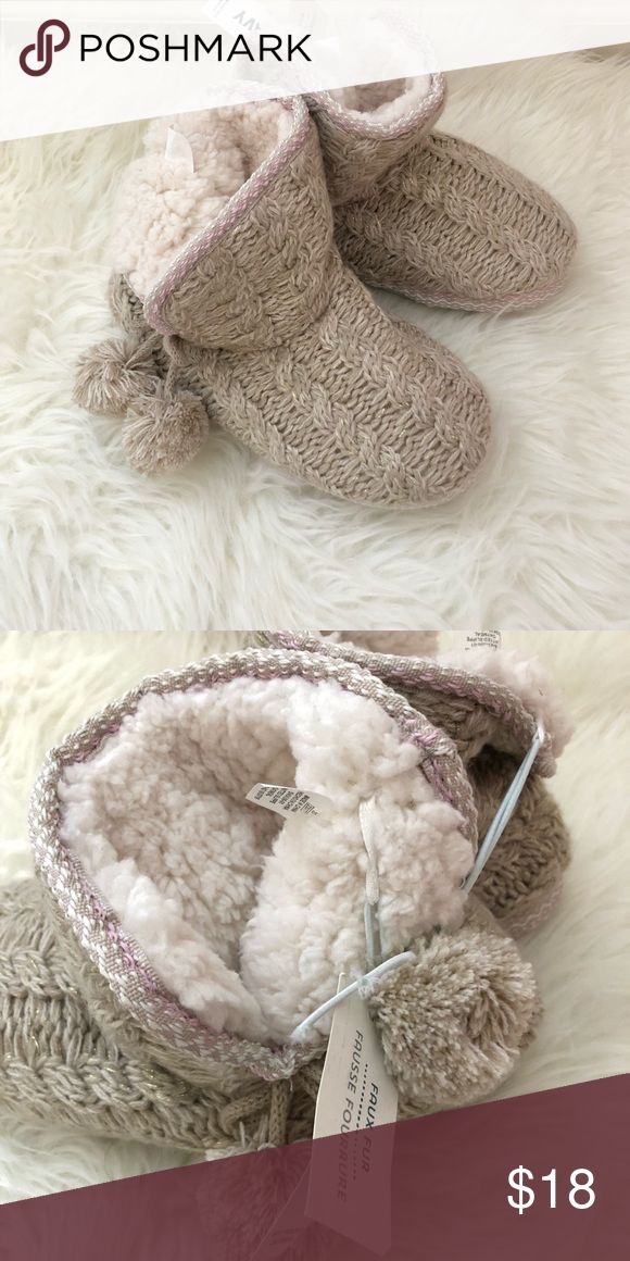 Old Navy Women's Slippers New with tags attached. Faux fur. Size S (5-6). Cute pop pom details on the side of each slipper Old Navy Shoes Slippers