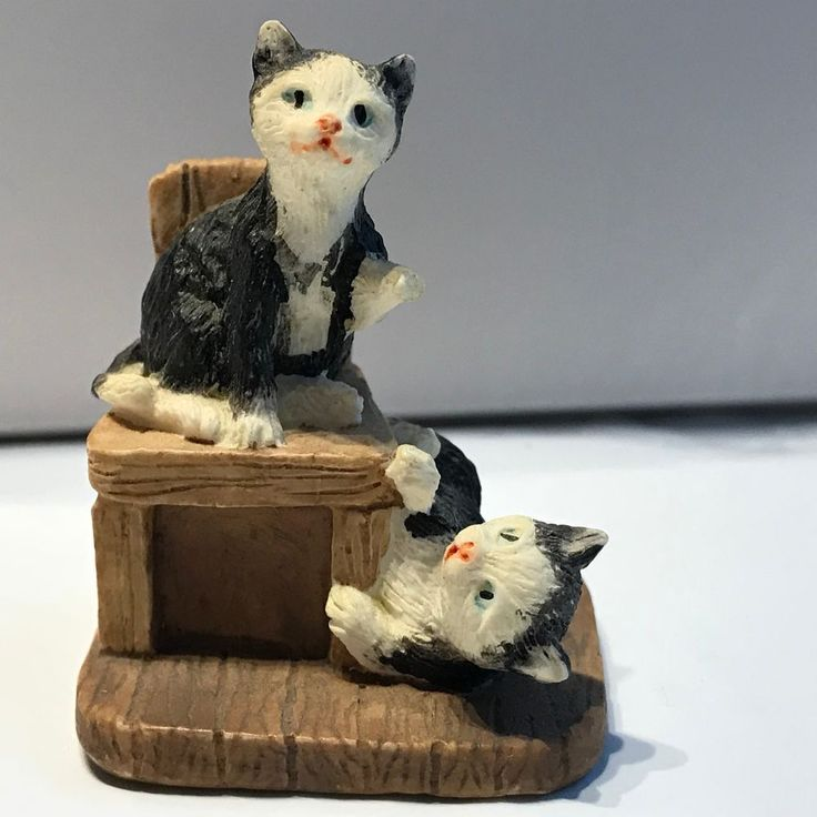 Miniature Chair with two black and white Cats Collectible 1.5 inch resin 94TC #unknown
