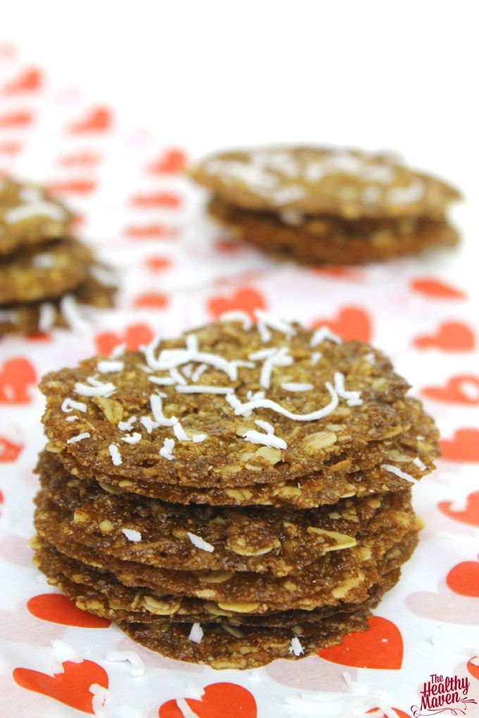 Coconut Oatmeal Lace Cookies ~ Healthy enough for everyday baking, but special enough for the holidays! Gluten free and vegan, too!  | thehealthymaven.com