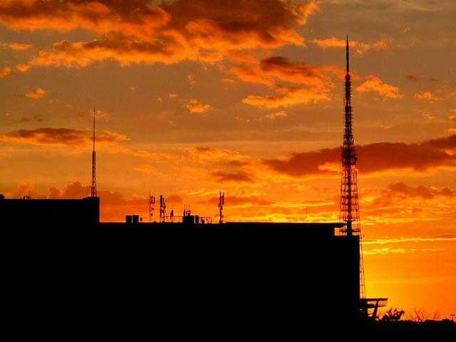 A Torre de TV de Brasília é uma torre de transmissão televisiva construída em Brasília e inaugurada em 1967 com 224 metros de altura, contendo o Museu das Gemas. Possui um mirante panorâmico a 75 metros de altura com capacidade para 150 pessoas, que  Watch 3500 TV channels from your computer. No need of cable or satellite.  https://www.facebook.com/3500TvChannelsOnYourComputer?ref=ts=ts