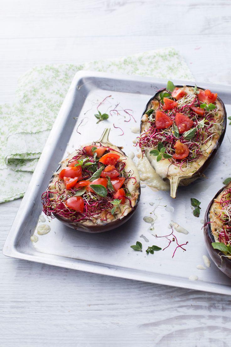 Le #melanzane #arrostite al #forno sono il piatto perfetto per l'estate, ricche e colorate possono essere servite sia come antipasto che secondo! ( #roasted #eggplant ) #Giallozafferano #recipe #ricetta #summer