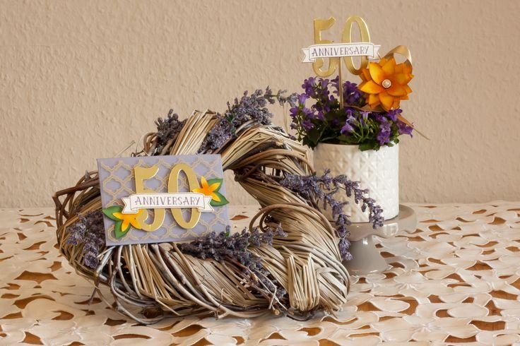 Tafeldecoratie voor 50ste verjaardag - #bloemen #decoratie #deco #tafeldeco #tafeldecoratie #Cardstock #DIY #knutselen #verjaardag #50 #papier #stansen #stempels #stempelset #creatief #gefeliciteerd