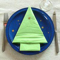 Anleitung zum Falten von Servietten: Tannenbaum zu Weihnachten