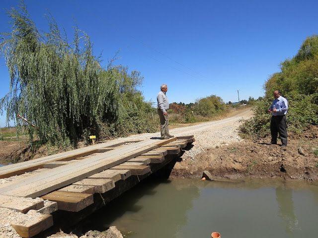 Municipalidad de Retiro gestiona reparación de 4 puentes rurales -  Como ha sido la tónica durante estos últimos 5 años de gestión el alcalde Rodrigo Ramírez ha logrado gestionar la reparación de caminos y puentes a lo largo y ancho de la comuna de Retiro esta vez se logró ejecutar la reparación de 4 puentes rurales entre los que destacan el puente Huinganes ruta L-700 Unión San José Las Rosas sector Cura Cura puente Villaseca y el Álamo 1 Ruta L-621 Camino Santa Isabel.  Cabe señalar que…