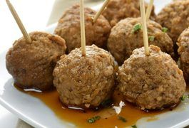 How to Bake Meatballs in the Oven on a Cookie Sheet | LIVESTRONG.COM