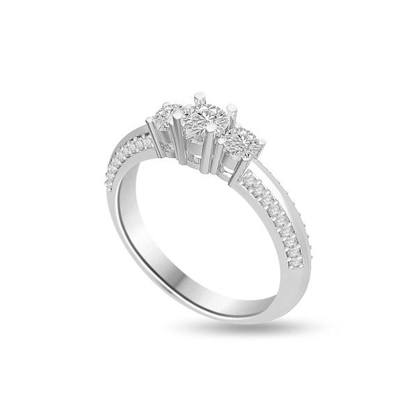 ANELLO TRILOGY CON DIAMANTI 18CT ORO BIANCO | Anello Trilogy con Diamanti Taglio Brillante. Il peso totale dei carati per questo anello e` disponibile da 0.65ct a 1.35ct, con il diamante centrale che varia da 0.13ct a 0.39ct e i due laterali variano da 0.16ct a 0.60ct. I 36 diamanti sul gambo pesano 0.01ct ciascuno per un totale di 0.36ct . Tutti i diamanti sono taglio brillante montati a griffe. Tutti i diamanti sono disponibili in H, G ed F colore e in VS1 ed SI1 purezza.