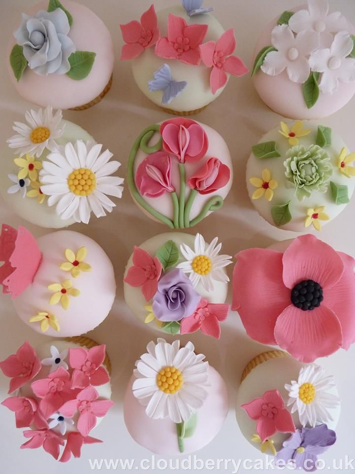 Spring Flower Cupcakes ♡♥♡♥♡♥                                                                                                                                                     More