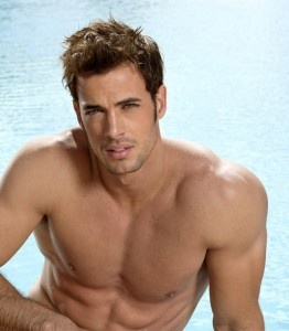Willim Levy ... the reason women watch spanish soap operas ... Muy Caliente!!!