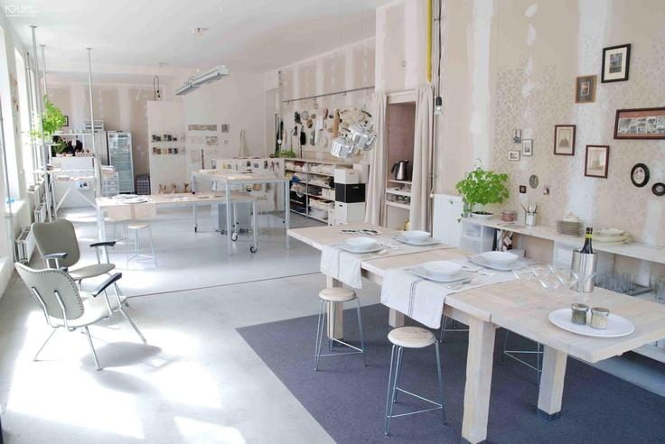 @ de culinaire werkplaats   http://www.puuruiteten.nl/component/resource/article/1-Restaurants/180-de-culinaire-werkplaats-amsterdam