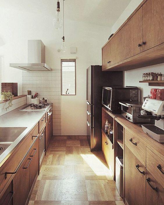 木とコーヒーの香りに癒される、そんなキッチンはいかがですか? #hughome88 ..☕︎