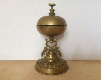 Recepción muy adornado de plata campana / cena por StylishInteriors