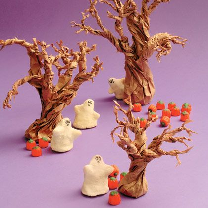 To Do: Create spooky Grocery Bag Trees...easy peasey tutorial!: Halloween Decor, Trees Crafts, Paper Bags, Halloween Crafts, Salt Dough, Dough Ghosts, Bags Trees, Halloweendecor, Salts Dough
