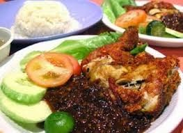 Resep Ayam Penyet Sambal Terasi Tradisional | Resep Kue Masakan Indonesia http://resepkuemasakanindonesia.blogspot.com/2014/01/resep-ayam-penyet-sambal-terasi.html