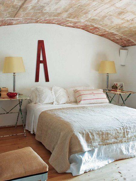 Una casa de campo del XVIII: Dormitorio principal abovedado