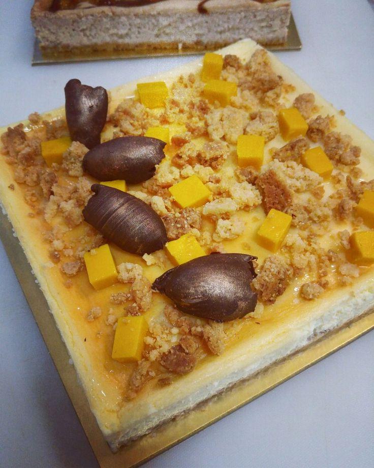 Cheese Cake - Mango & Passion fruit