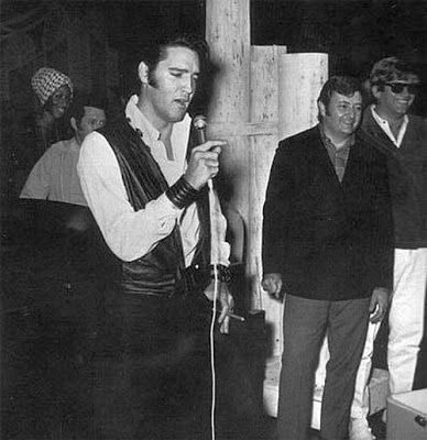 Elvis Presley zeldzame foto's - 120 Fotos   Nieuwsgierig, Grappige Foto's / Fotol......lbxxx.