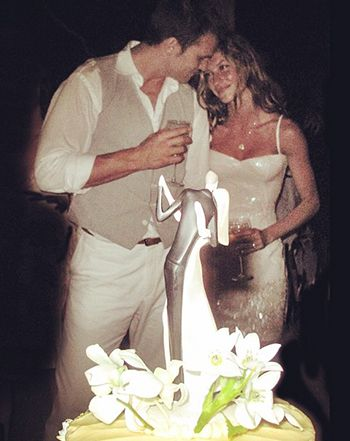 Gisele Bundchen reminisced about her 2009 wedding to husband Tom Brady via Instagram on Thursday, Feb. 26