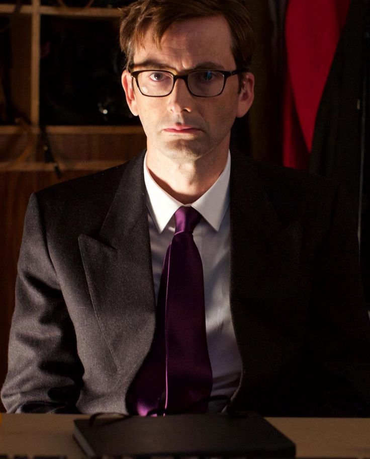 PHOTO: David Tennant Stars In New Channel 4 Sitcom Hang Ups    Check out this fab promotional image of David Tennant in character for the new Channel 4 sitcom, Hang Ups.   Hang Ups, is a new six par...