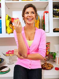6 Ways to Strengthen Your Willpower and Control Cravings