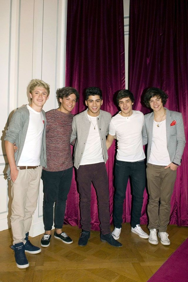 Who loves one direction cuz i do. But which one do u like?