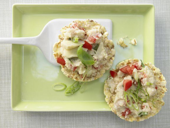 Creamy artichoke puree and crisp corn cakes make a protein-rich snack you'll want to eat every day. | Eat Smarter