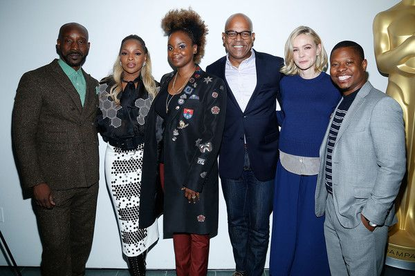 Mary J. Blige Photos - (L-R) Actor Rob Morgan, Musician Mary J. Blige, director Dee Rees, AMPAS director of New York programs and membership Patrick Harrison, Actress Carey Mulligan and actor Jason Mitchell attend The Academy of Motion Picture Arts & Sciences Official Academy Screening of Mudbound at the MOMA Celeste Bartos Theater on November 17, 2017 in New York City. - The Academy of Motion Picture Arts & Sciences Hosts an Official Academy Screening of MUDBOUND