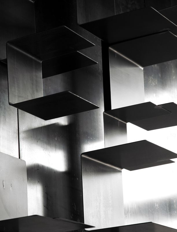 Les 54 meilleures images propos de blunt manufacture sur pinterest salles - Creation bibliotheque sur mesure ...