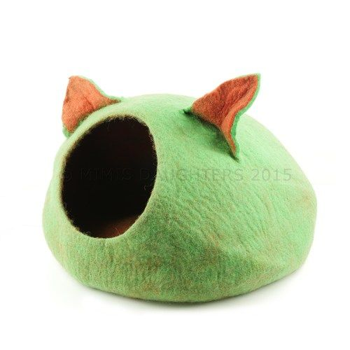 Cat Bed, Cat Cave, Pet Bed, Cat Igloo, Cat House Handmade Wool Felt Cat Home - Green-Red-Ears