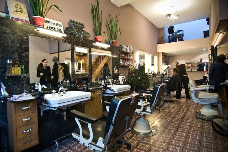 This is my hairdresser kapper kaprijke gent wouldn 39 t for Kapsalon interieur