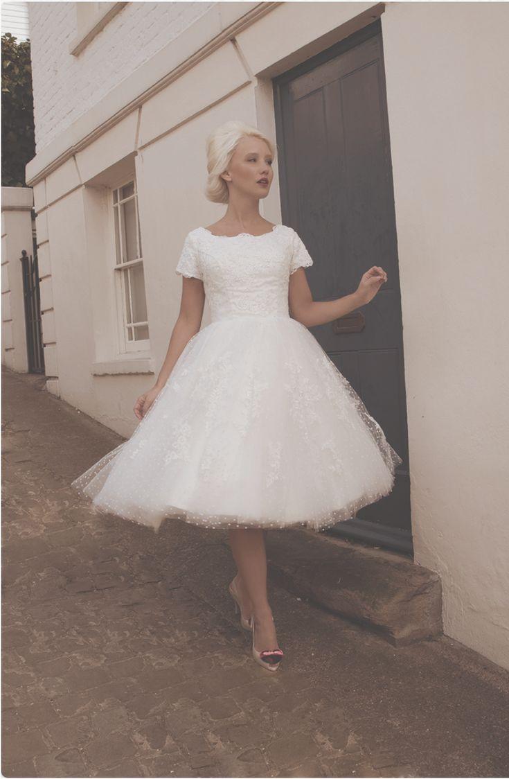 """House of Mooshki """"Audrey"""" 1950s style wedding dress size 12-14 for sale, £700 on www.sellmyweddingdress.co.uk   http://www.sellmyweddingdress.co.uk/listing/audrey-1950s-wedding-dress-size-12-14/2100  #houseofmooshki #houseofmooshkibride #1950sweddingdresses #vintagebride #vintagewedding #vintageweddingstyle"""