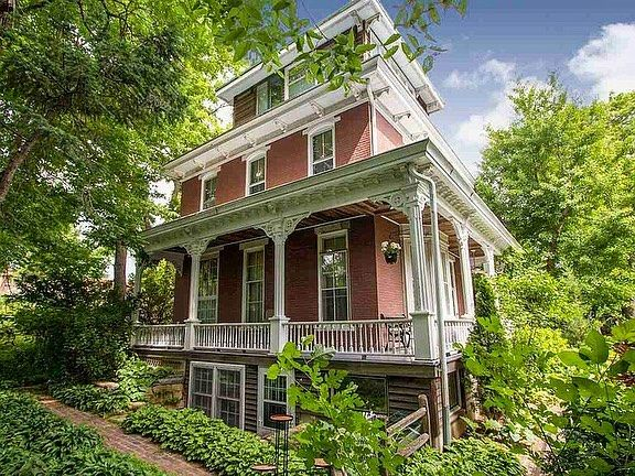 Historical Homes On Instagram Iowa City Iowa 1870 For Sale 498 000 4 Bed 3 Bath 3 283sqft Historicalhome Historic Homes Grand Homes Old Houses