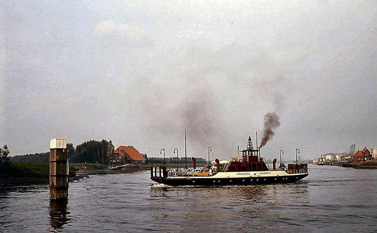 Veerdiensten 's-Gravendeel (jaartal: 1960 tot 1970) - Foto's SERC