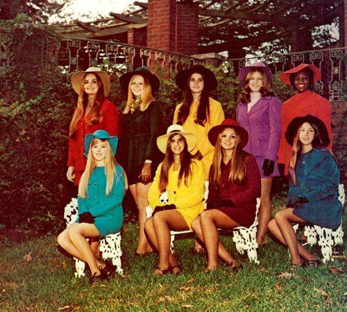 babe rainbow1970 Style, 70S Fashion, Teen Fashion, 60S 70S, Rainbows Fashion, Retro Fashion, Needs More Colors, Immortal Style, Babes Rainbows