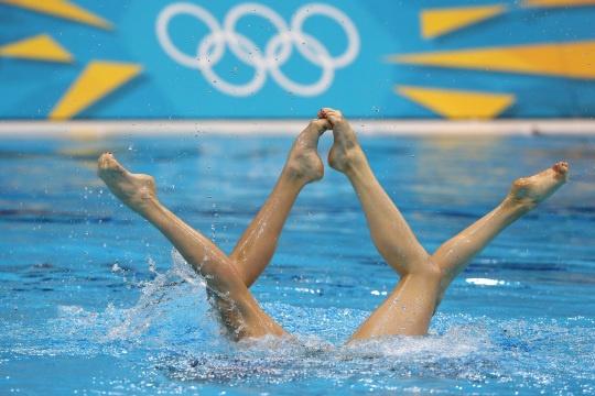 Natalia Ishenko & Svetlana Romashina of Russia in the Women's Duets Synchronized Swimming