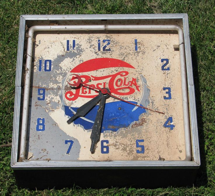 Vintage Advertising Electric Lighted Pepsi Neon Clock Sign