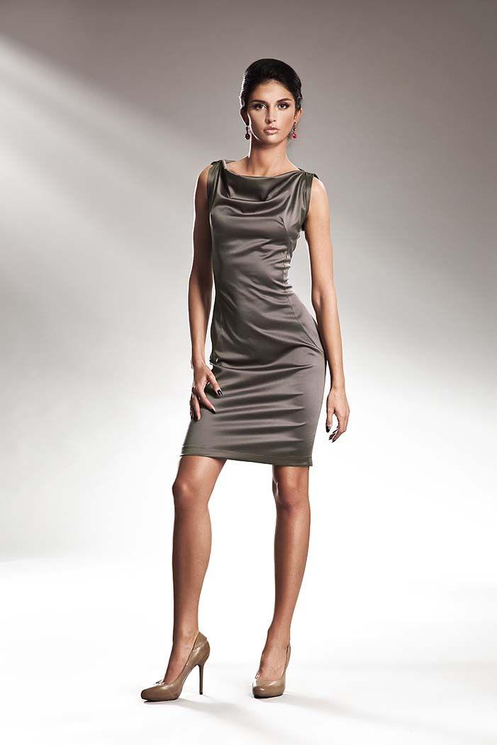 Szykowna sukienka na szerokich ramiączkach