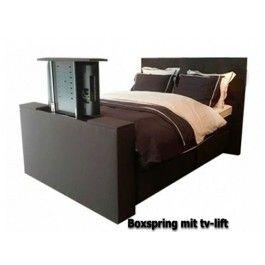 Boxspringbett mit TV-Lift