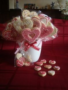Valentine's cookie bouquet