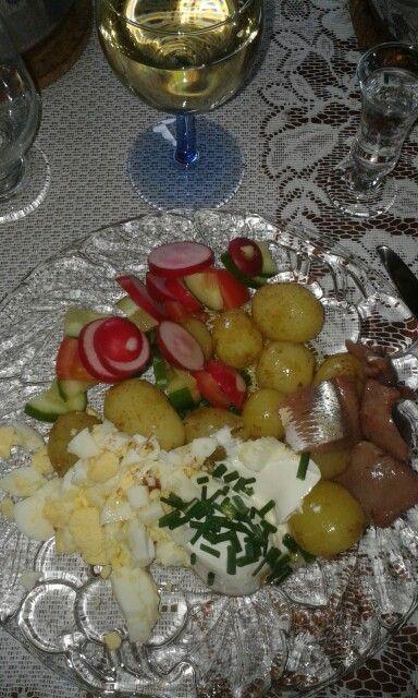 """Midsummer food """"sill och potatis"""""""