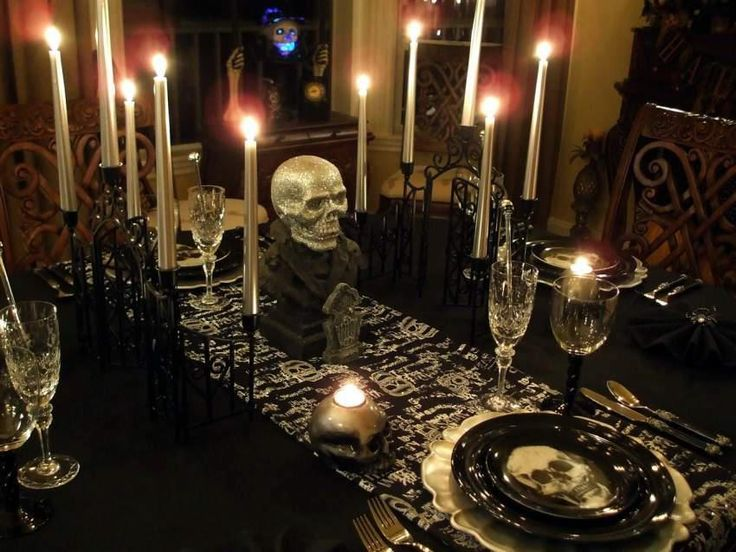 Gothic table setting decorative candle displays ideas for Gothic decorations home