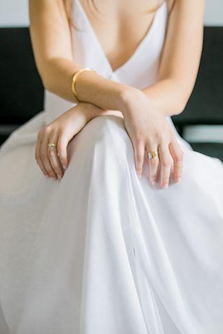 Modern wedding dress | 135 Milimetros