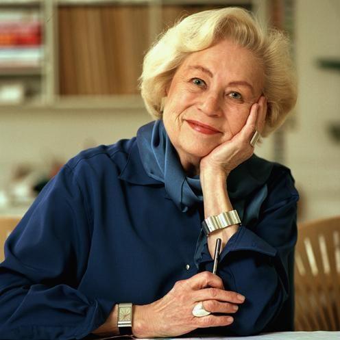 Nanna Ditzel (født Hauberg 6. oktober 1923 i København – 17. juni 2005) var en dansk designer.  Ditzel blev uddannet på Kunsthåndværkerskolen i 1946. Sammen med ægtefællen Jørgen Ditzel (1921-61) tegnede hun i 1950'erne smykker for Georg Jensen samt møbler og tekstiler, der indbragte sølvmedaljer ved Triennalerne i Milano 1951, 1954 og 1957 samt guldmedalje 1960; i 1956 modtog de Lunningprisen.  Efter Jørgen Ditzels død fortsatte hun alene og vakte i slutningen af 1960'erne opmærksomhed med…