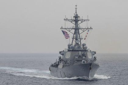 Японская береговая охрана сообщила о 7 пропавших моряках с эсминца США       В результате столкновения американского эсминца с торговым судном, следовавшим под флагом Филиппин, по предварительным данным, пропали без вести семь военных моряков. Об этом сообщила японская береговая охрана. Принято решение об эвакуации двух раненых, включая командира судна.